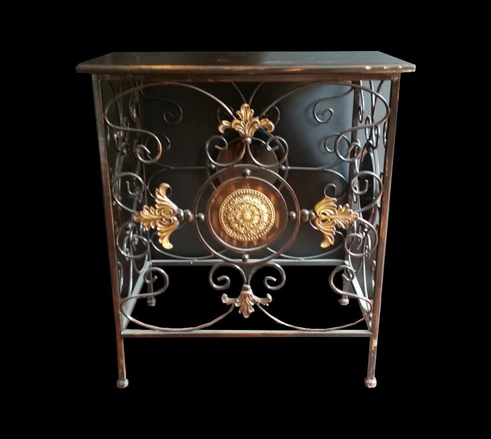 tisch beistelltisch m bel holz antik versace design prettyhome hamburg. Black Bedroom Furniture Sets. Home Design Ideas